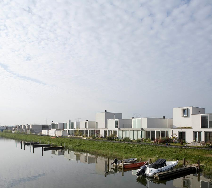 Ontwikkeling en ontwerp van een serie villa's op de Lisdoddelaan Amsterdam door BO6 architecten.